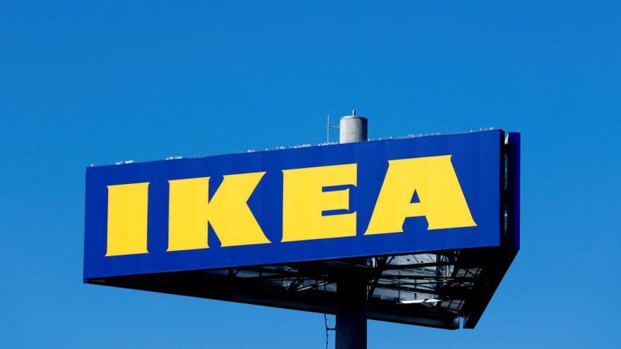 Ikea prohíbe jugar al escondite a miles de personas que habían quedado por Facebook