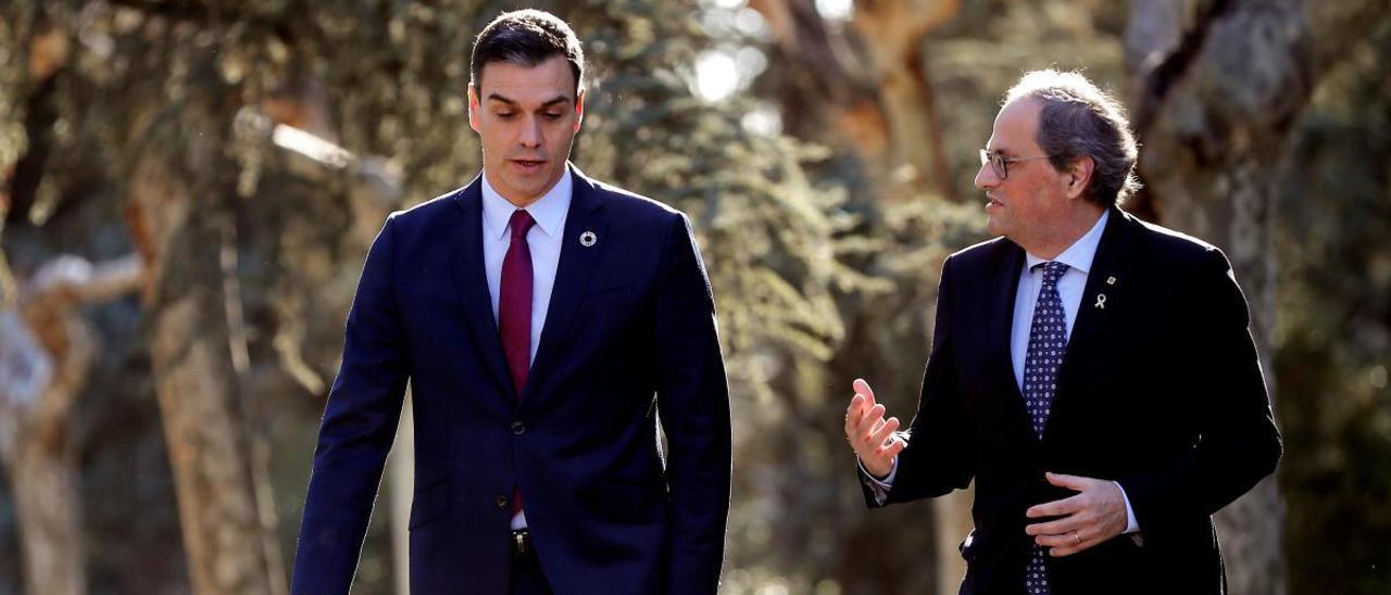 Sánchez y el expresident Quim Torra durante la mesa catalana en febrero de 2020.