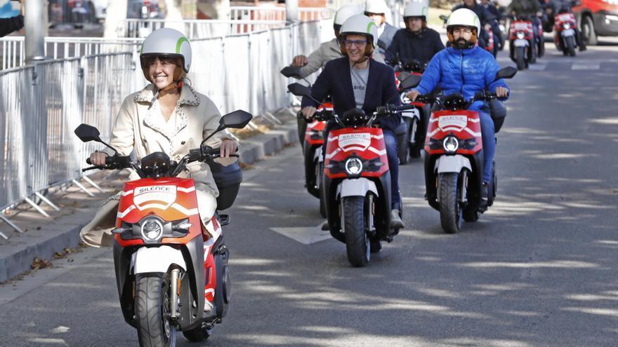 Girona estrena un servei de moto elèctrica de lloguer per minut
