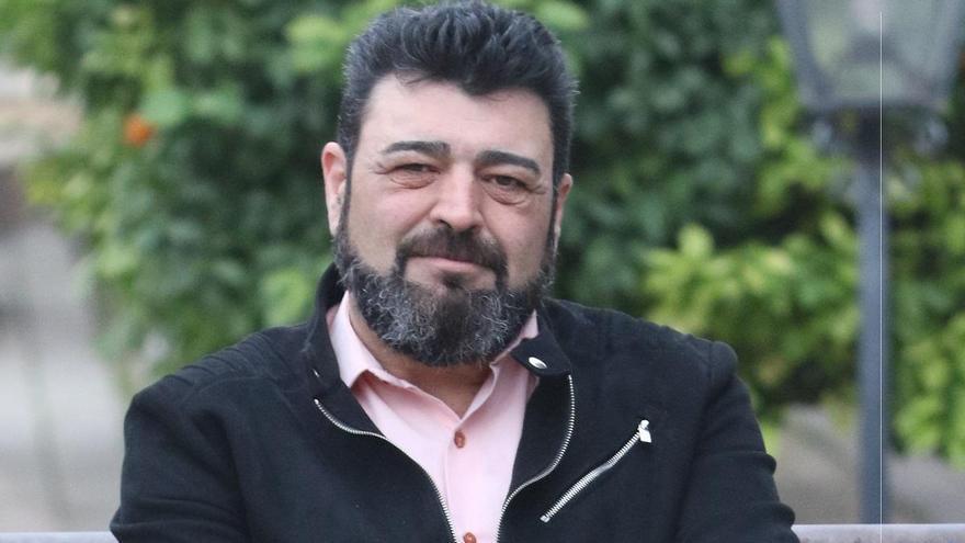 Vicente Palomares: «Cada vez que un comercio cierra, se trunca una vida»