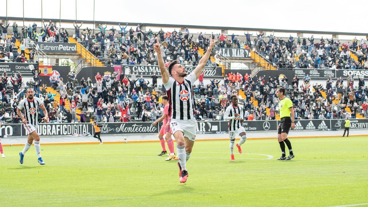 Pablo Vázquez, celebrando su gol al Madrid Castilla.