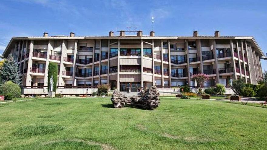 Santa Coloma aprova delegar la gestió de la residència geriàtrica