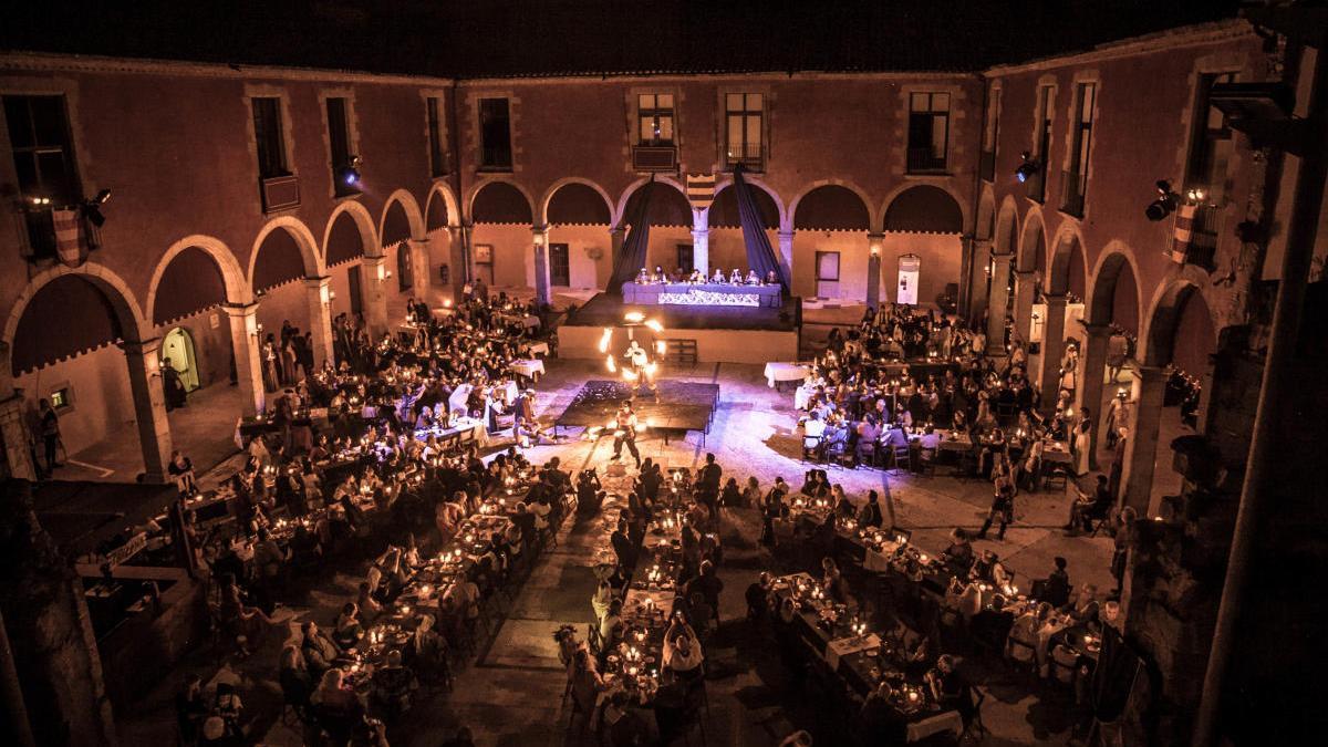 Sopar medieval al Pati Palau dels Comtes
