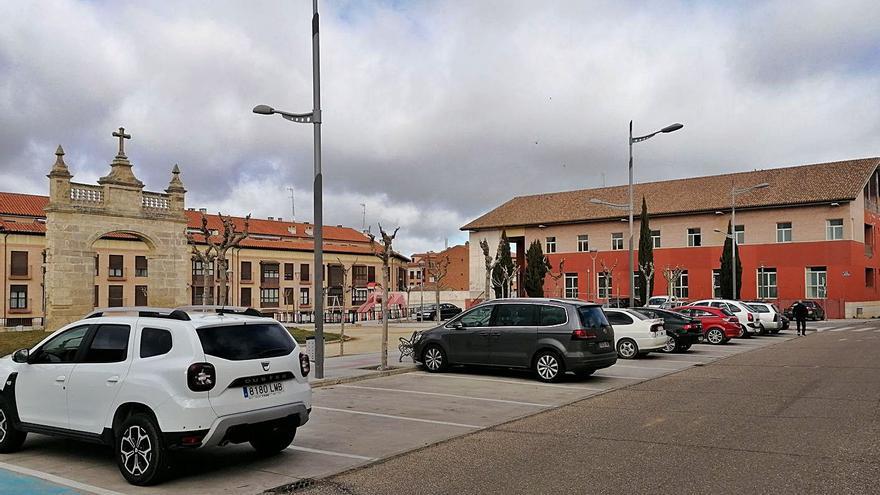 Toro baraja dos plazas para instalar los puntos de recarga de coches eléctricos