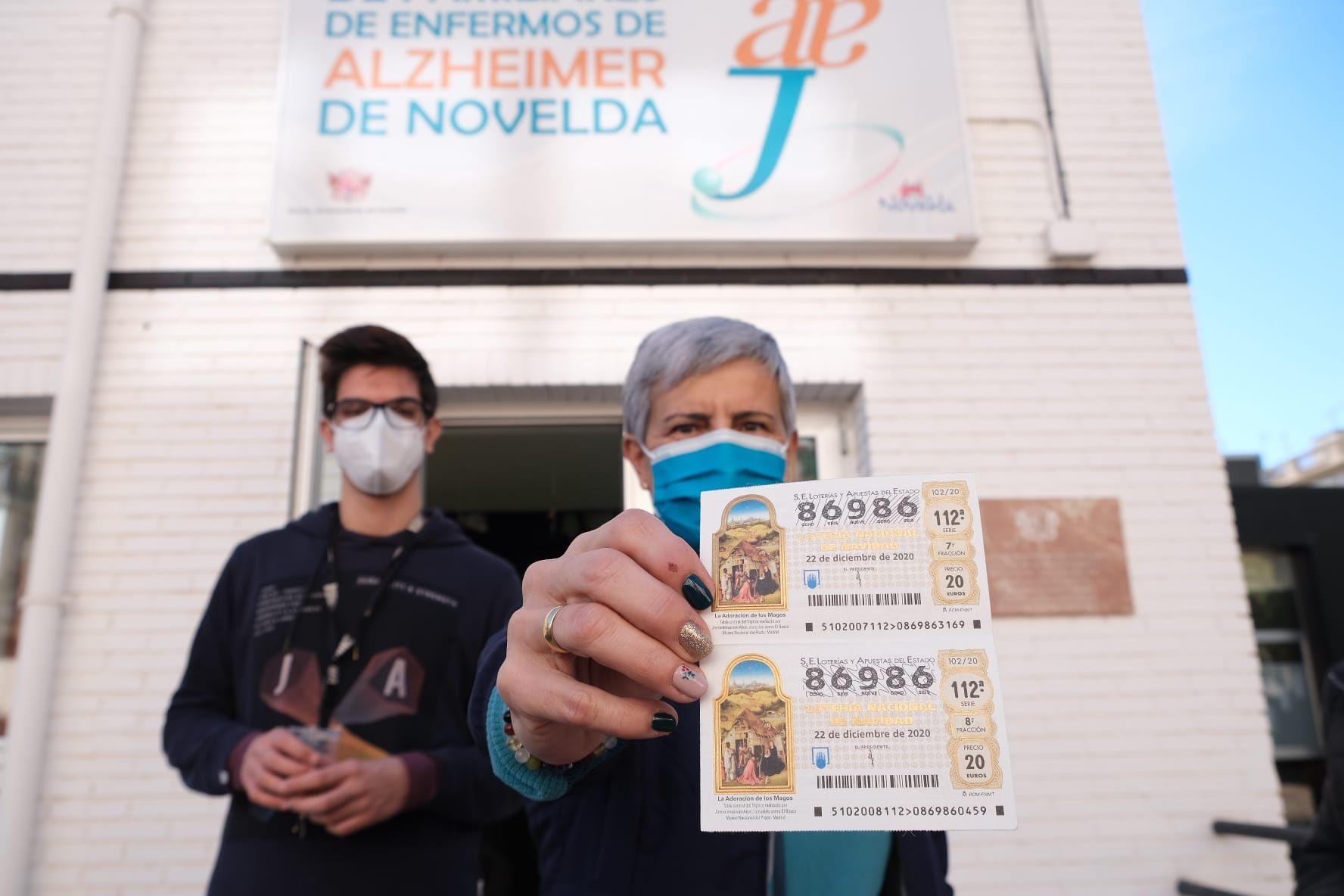 La Asociación de Alzheimer, gran afortunada del quinto premio caído en Novelda