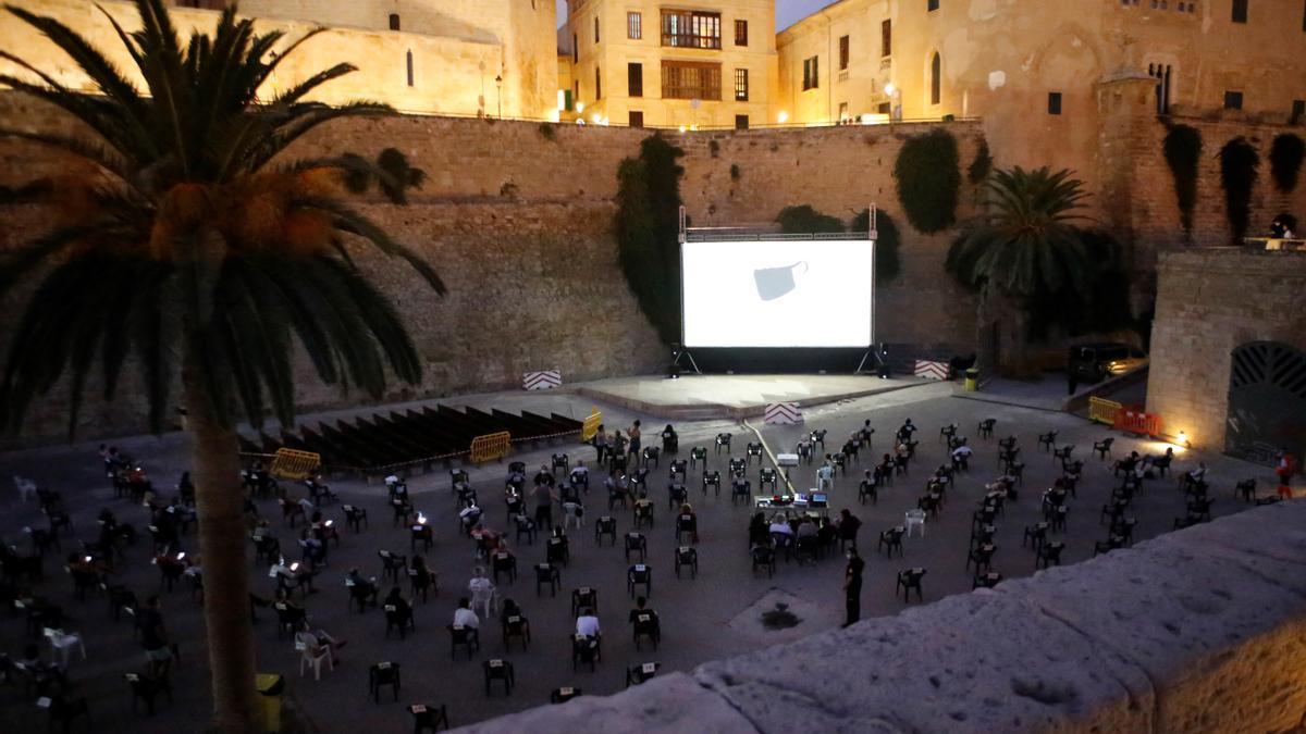 Cinema a la Fresca en ses Voltes.