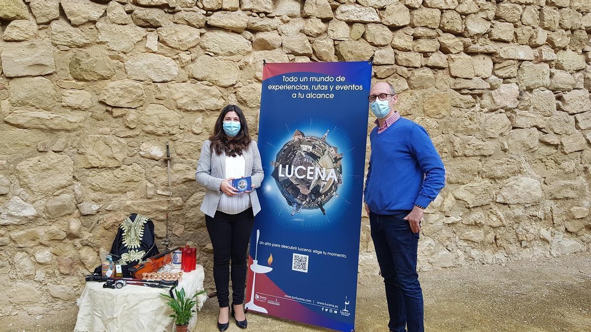 Teresa Alonso y José Antonio García presentan las actividades turísticas de Lucena.