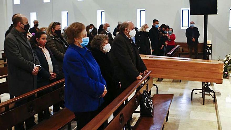 """Concurrida despedida en La Tenderina al exconcejal ovetense Ángel Torres: """"Amó a la ciudad como nadie"""""""