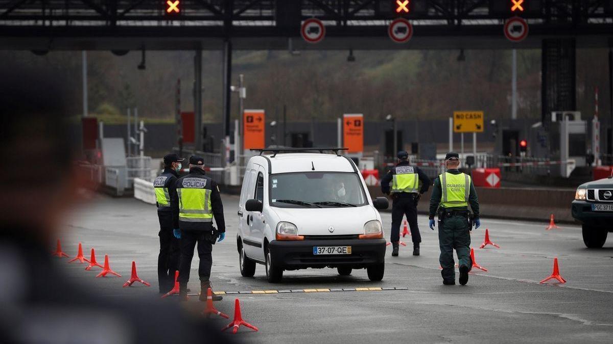 España exigirá una PCR negativa a los turistas de Francia que entren por carretera