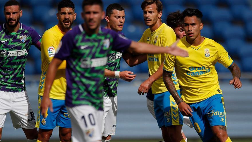 La UD Las Palmas pierde las opciones de promoción al empatar al Málaga