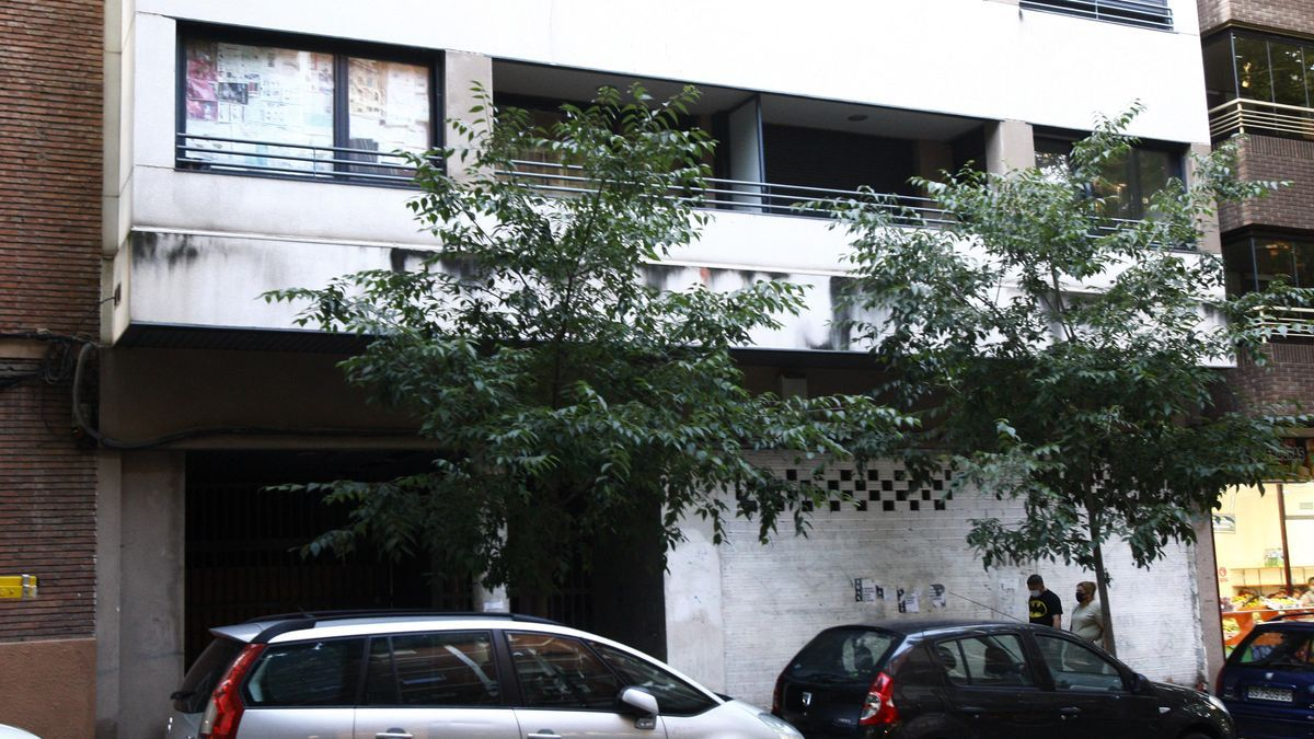 Edificio okupado en la avenida Compromiso de Caspe número 38