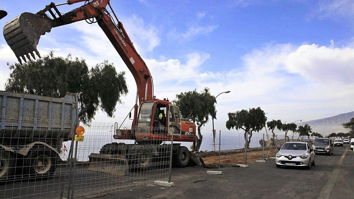 Imagen del inicio de las obras de rehabilitación del Polígono de La Campana en marzo del año pasado.