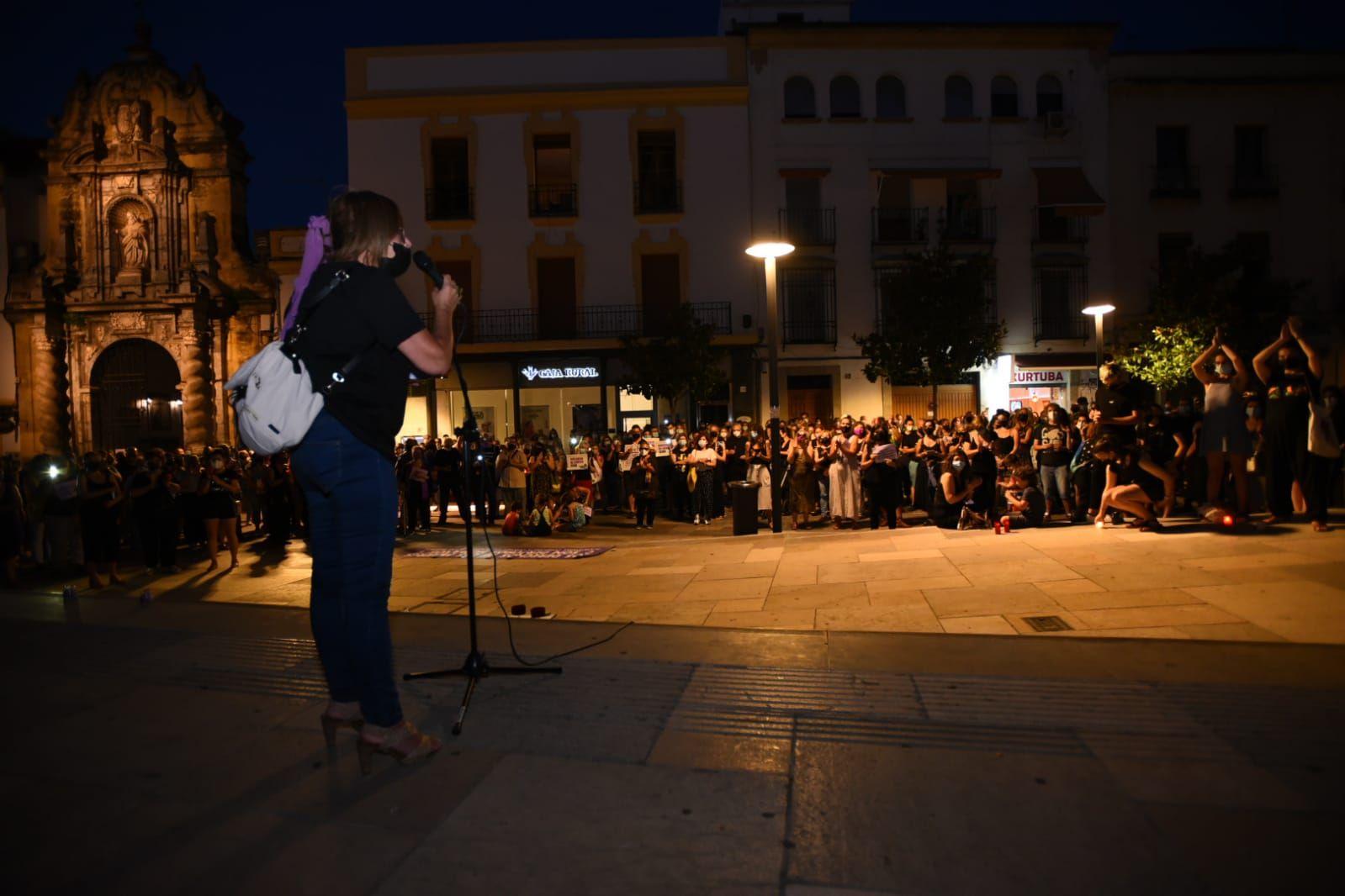Córdoba sale a la calle para mostrar su repulsa por los últimos crímenes machistas