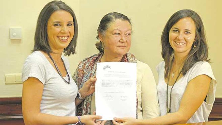 Mae de la Concha apoya la consulta sobre el chalé de Iglesias y Montero