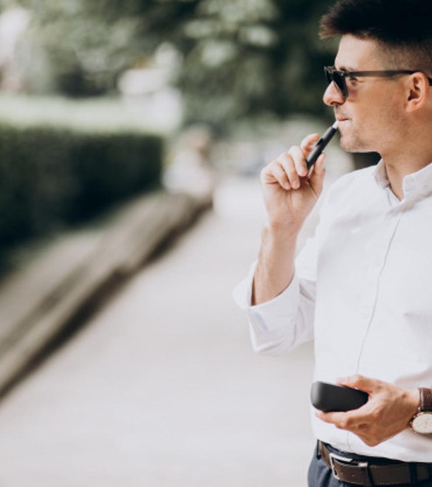 ¿Sabías que el cigarrillo electrónico sin nicotina es tan tóxico o más que los que sí la llevan?