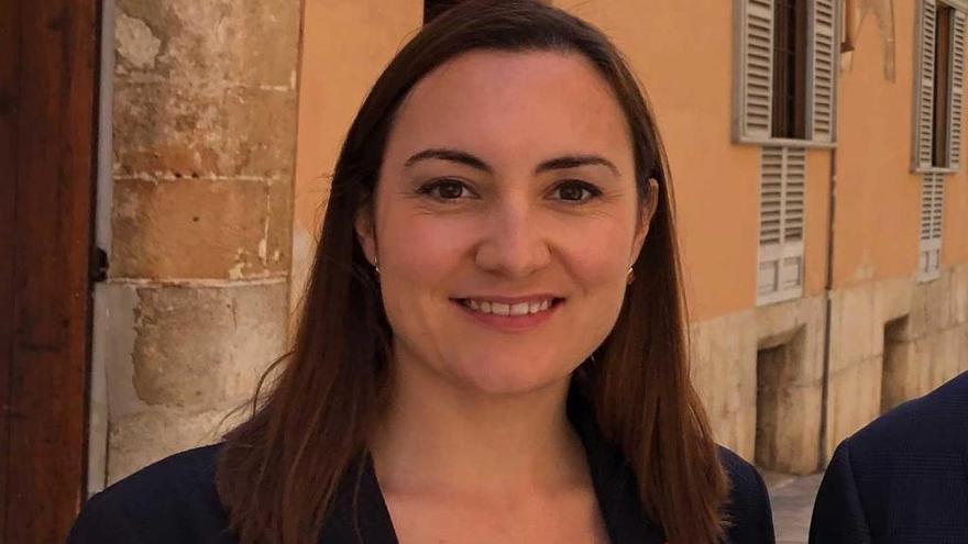 Beatriz Camiña, la joven abogada apoyada por el sector crítico de Ciudadanos