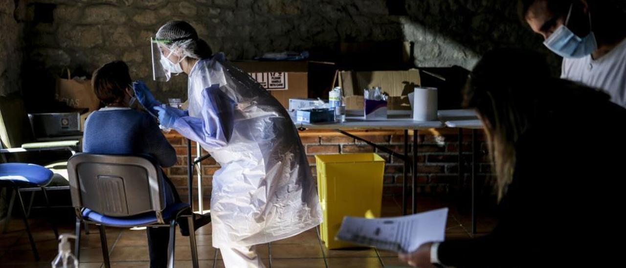 Los contagios siguen aumentando en Asturias, con 742 casos en tres días