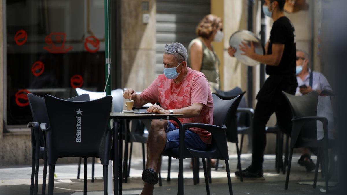 """La mascarilla será obligatoria en las terrazas """" cuando no se esté consumiendo"""""""