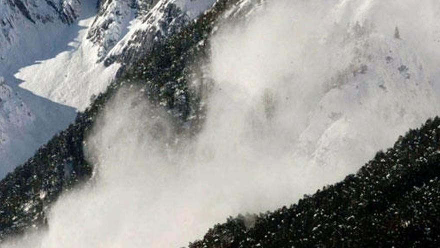 Los aludes, un peligro para esquiadores y montañeros