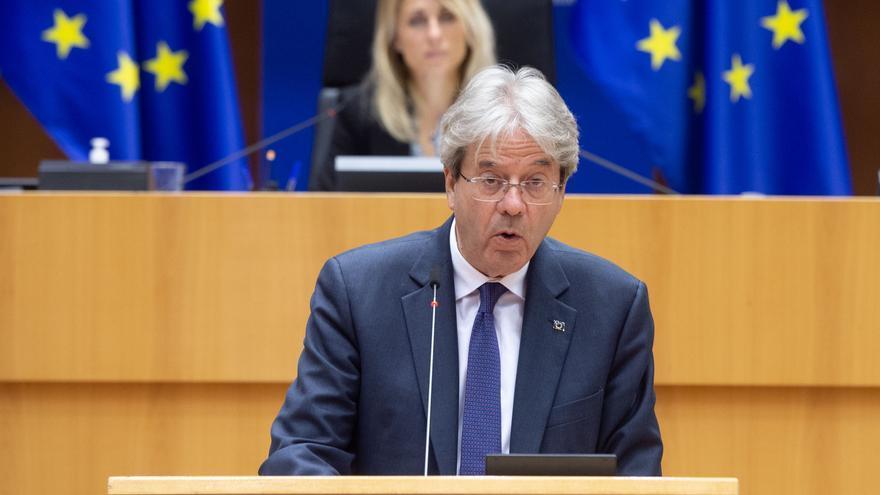 Bruselas recomienda a España una política fiscal prudente por su elevado endeudamiento