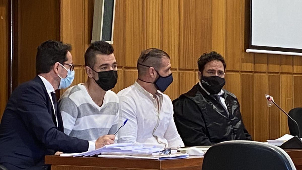 Los condenados, durante el juicio.
