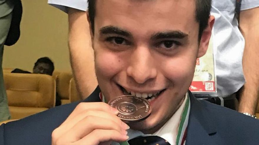 El alicantino Carlos Ramón gana el bronce en las Olimpiadas de Biología