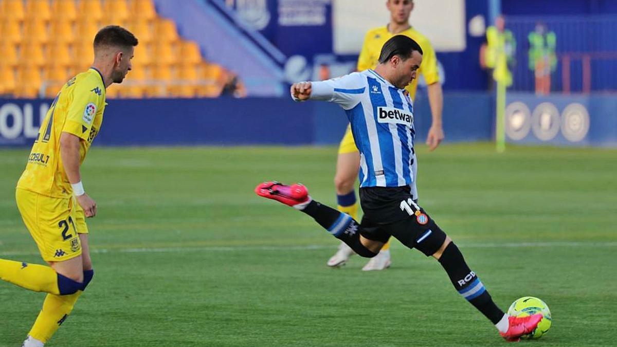 A pesar de que Raúl de Tomás no anotó en Santo Domingo, finaliza como pichichi de plata con 23 goles.