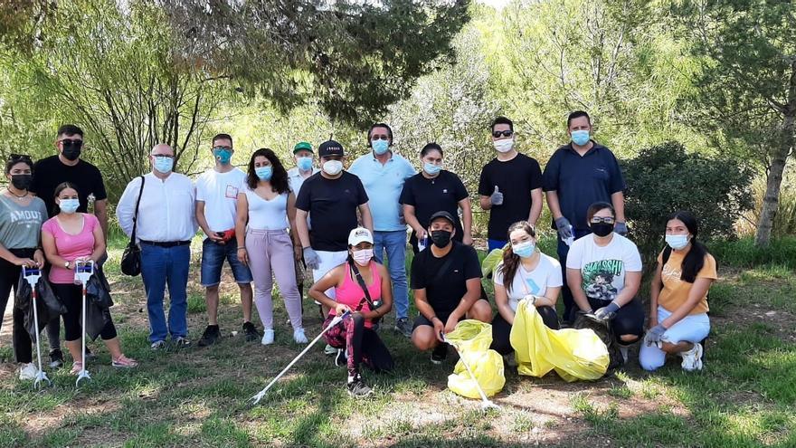 Palma se suma a 'Libera 1 metro cuadrado' con recogidas de residuos en Bellver, es Carnatge y Son Quint