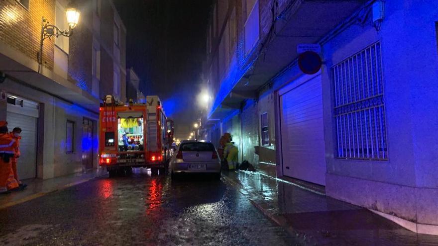 Dos personas asistidas por inhalación de humo tras la explosión de una vivienda en Sueca