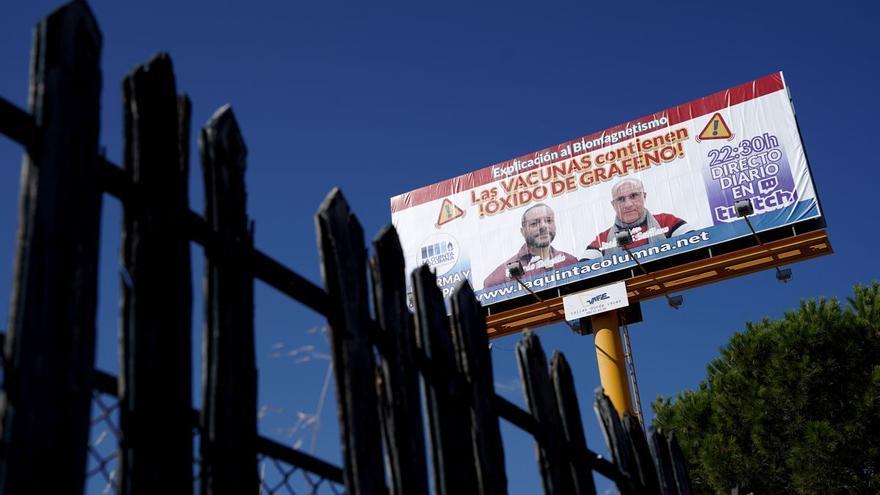 Guerra civil entre los antivacunas: el bulo del grafeno enfrenta a los negacionistas