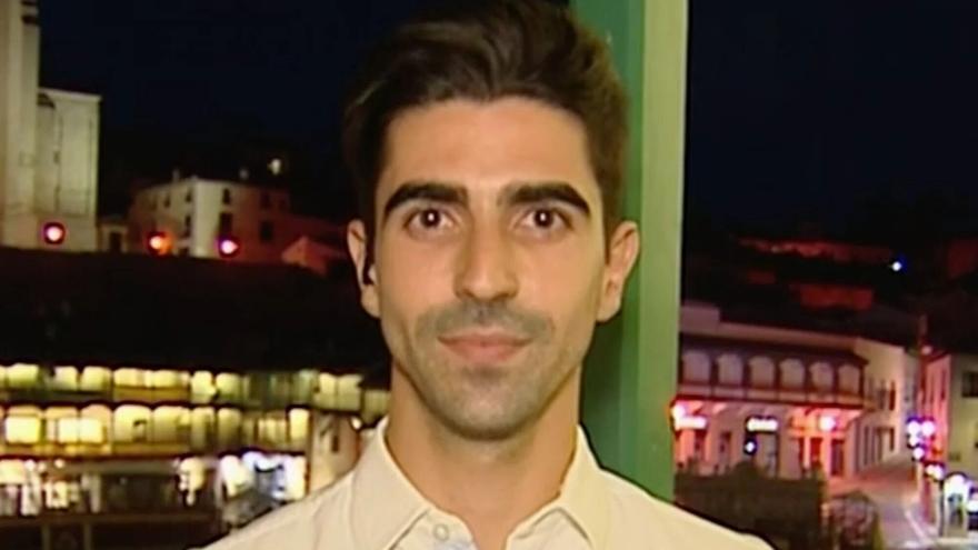 VIRAL: La elegante y aplaudida respuesta de un reportero de Telecinco a un espectador que criticó su conexión en directo