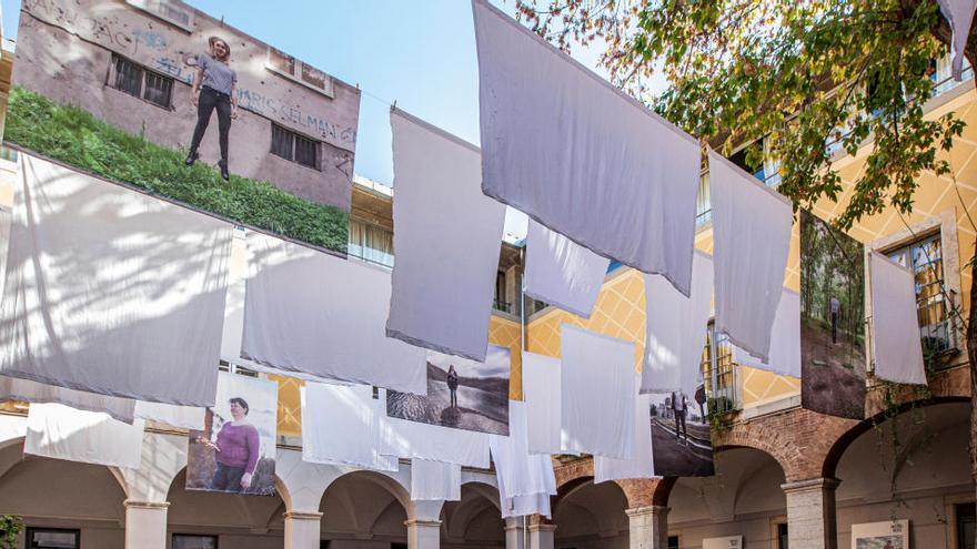Una exposició al Centre Cultural La Mercè de Girona homenatja les dones violades a la guerra de Bòsnia