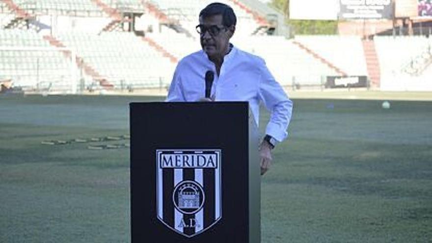 """Puertas asegura su continuidad en el Mérida tras un """"año duro"""""""