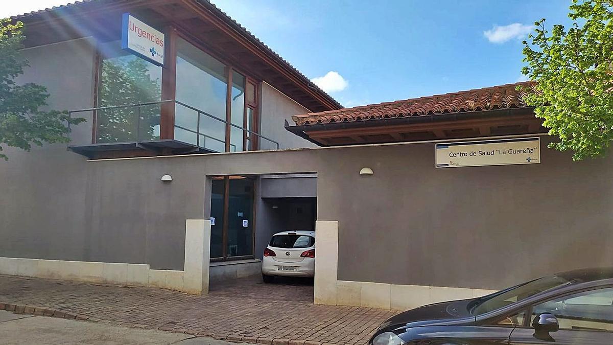 Centro de Salud de La Guareña ubicado en el municipio de Fuentesaúco.   LOZ