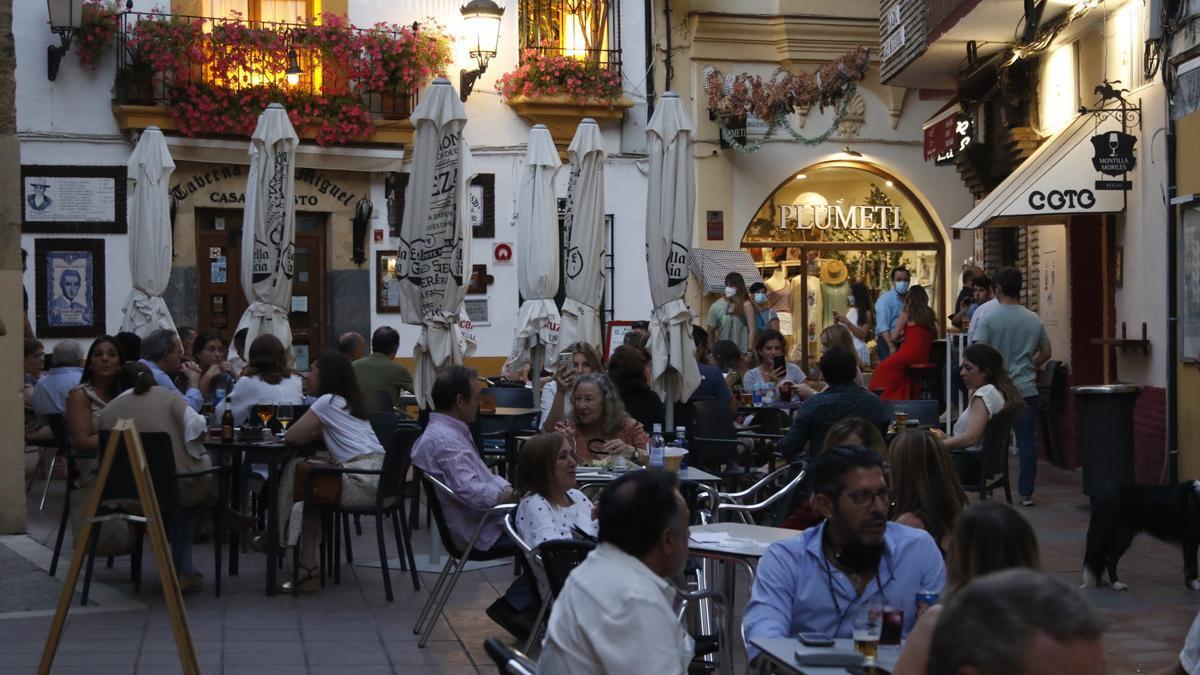 Veladores en San Miguel.
