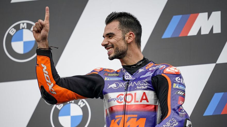 Oliveira da a Portugal su primera victoria en MotoGP