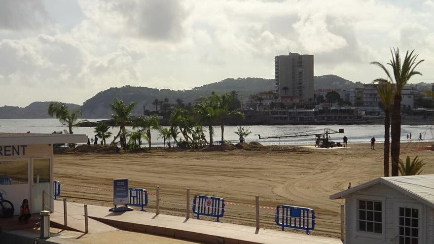 La playa del Arenal de Xàbia se convierte en un oasis para la película 'Uncharted'