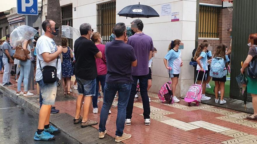 Vox pide al Ayuntamiento de San Vicente que actúe para evitar aglomeraciones ante los colegios
