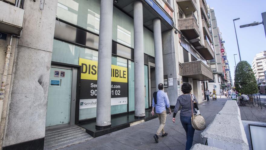 Maisonnave pasa de tener lista de espera a sufrir cierres de negocios