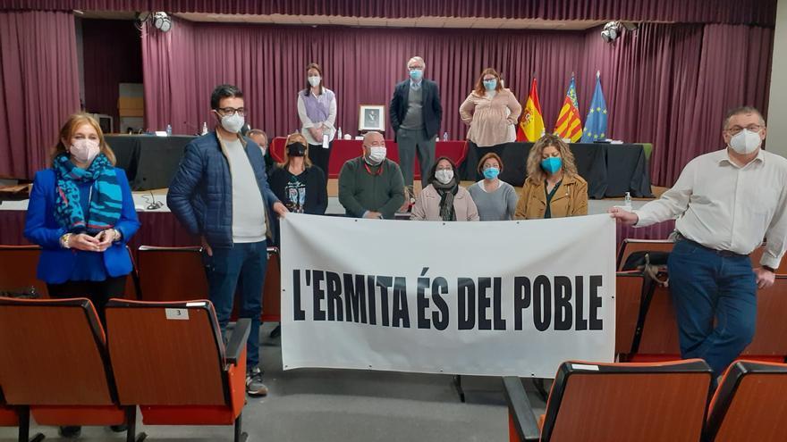 Los vecinos de Nàquera recogen 1.500 firmas para que la Iglesia devuelva la ermita al pueblo