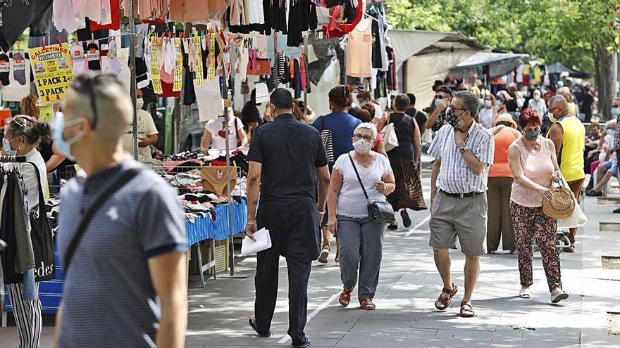 La pandèmia posa al límit les famílies gitanes del mercat