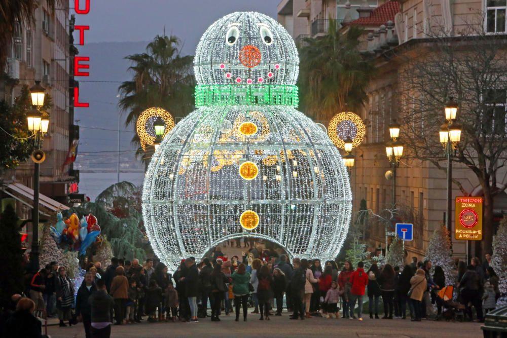 El centro de Vigo se llena para ver las luces
