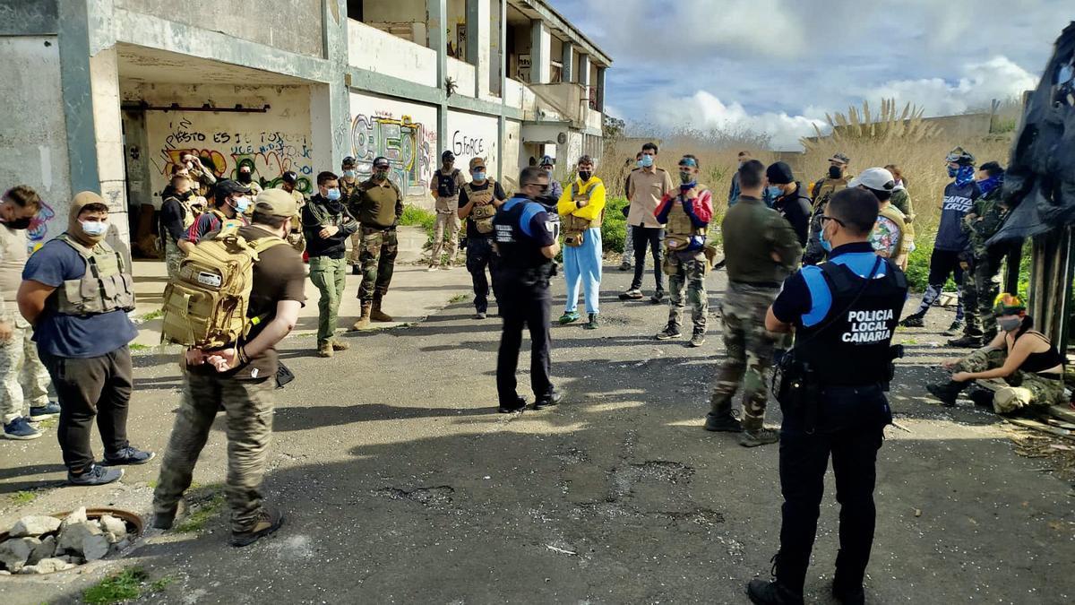 La Policía Local de La Laguna levanta acta al incumplir las medidas de seguridad por celebrar un encuentro de paintball.
