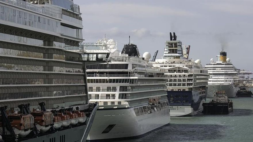 Los cruceros siguen en dique seco