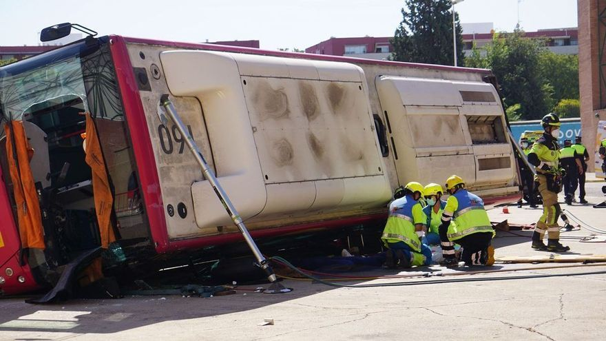 Los bomberos del CPEI asisten a certámenes de seguridad y emergencia