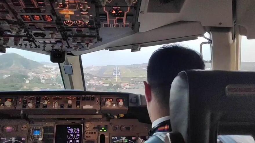 Así vive un piloto el aterrizaje en el Aeropuerto Tenerife Norte