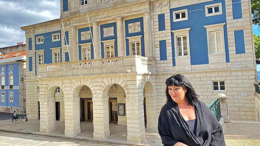 Marina Pardo, cantante afincada en Oviedo, reinaugura el Teatro Nacional de Lisboa