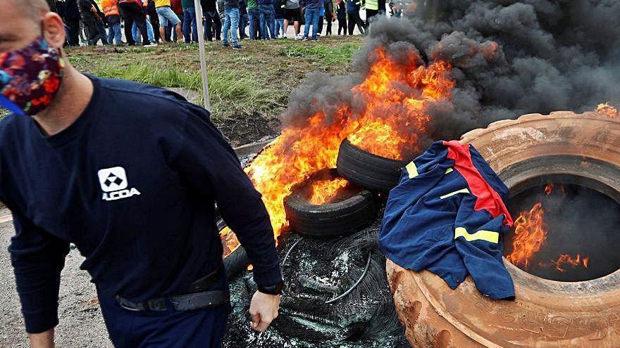 """La plantilla de Alcoa pide la intervención de la factoría para evitar una """"verguenza para el país"""""""