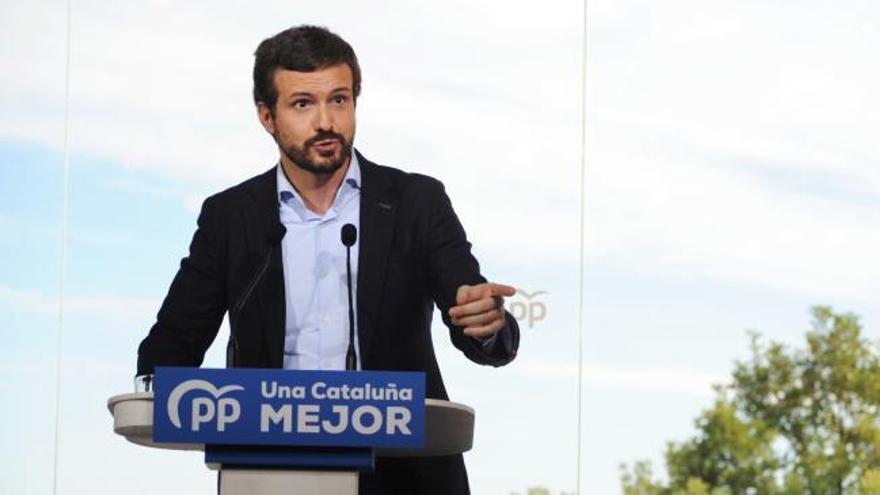 """Casado acusa a Sánchez de perseguir al PP """"con todos los aparatos del Estado"""""""