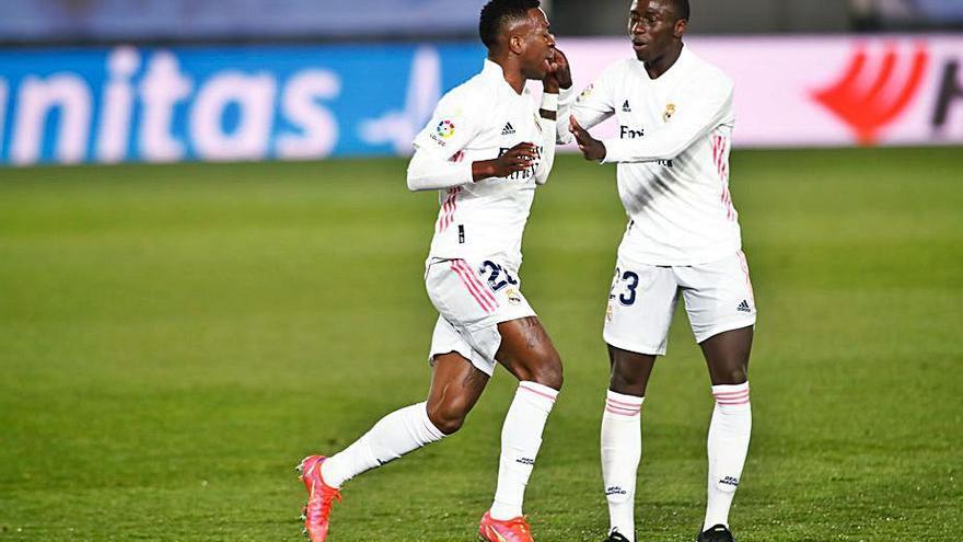 Vinicius salva un punto para el Madrid